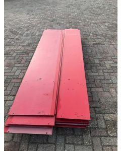 HPL / Trespa Plaat (Rood) ±305 x 41 cm - Dikte: 8 mm.